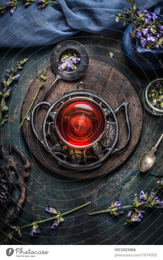 Tasse Gesunde Kräuter Tee mit Salbei Blätter und Blüten Lebensmittel Kräuter & Gewürze Diät Getränk Heißgetränk Löffel Stil Gesundheit Gesundheitswesen