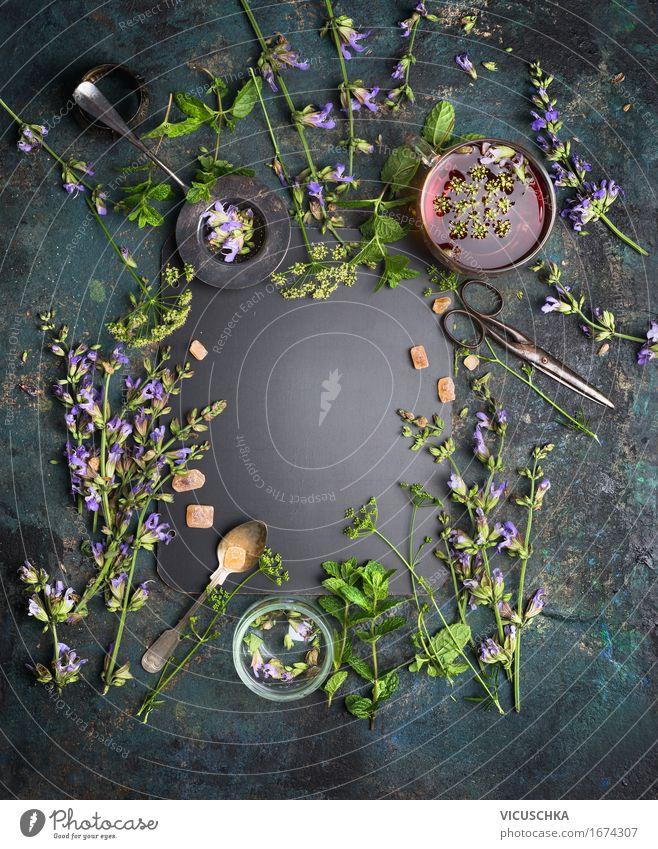 Kräutertee Hintergrund mit verschiedenen Kräutern Lebensmittel Kräuter & Gewürze Getränk Tee Schalen & Schüsseln Tasse Löffel Stil Design Gesundheit