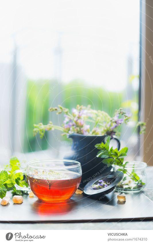 Tasse mit heißem Kräutertee an Fenster Getränk Heißgetränk Tee Stil Design Gesundheit Alternativmedizin Gesunde Ernährung Leben Sommer Häusliches Leben