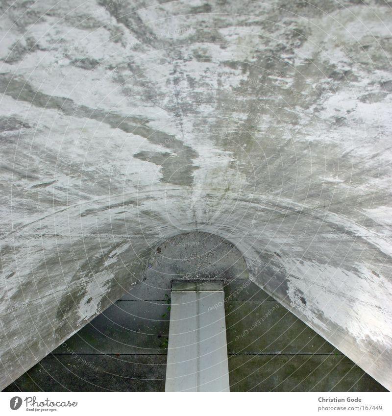 BETON kalt Wand Architektur grau Gebäude Mauer Fassade Bauwerk Tunnel Säule Museum Reaktionen u. Effekte Tunnelblick Halbkreis Tunneleffekt
