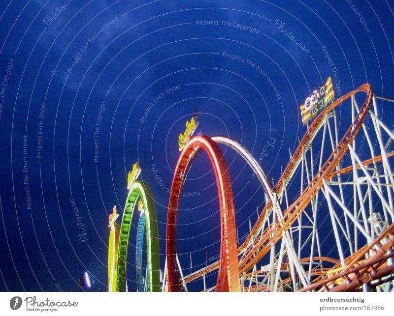 ooOooooo Freizeit & Hobby Entertainment Jahrmarkt Achterbahn Feste & Feiern mehrfarbig Außenaufnahme Dämmerung Kunstlicht Lichterscheinung Froschperspektive