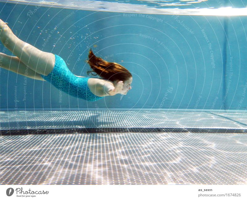Into the blue Mensch Ferien & Urlaub & Reisen Jugendliche blau Sommer schön Wasser Wärme Leben Gefühle Bewegung Schwimmen & Baden träumen glänzend elegant