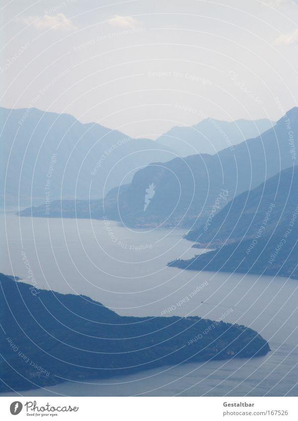 Blau in Blau Farbfoto Gedeckte Farben Außenaufnahme Menschenleer Textfreiraum oben Totale Panorama (Aussicht) Angeln Ferien & Urlaub & Reisen Ausflug Ferne