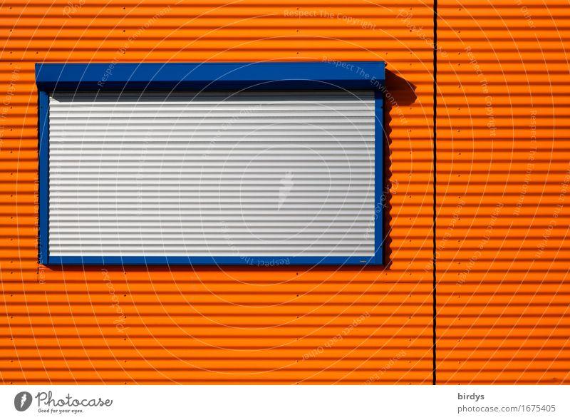 Montag Ruhetag Wohncontainer Fassade Fenster Rollladen Holz Metall Kunststoff Linie leuchten ästhetisch Stadt blau grau orange Sicherheit Schutz Reinheit Design