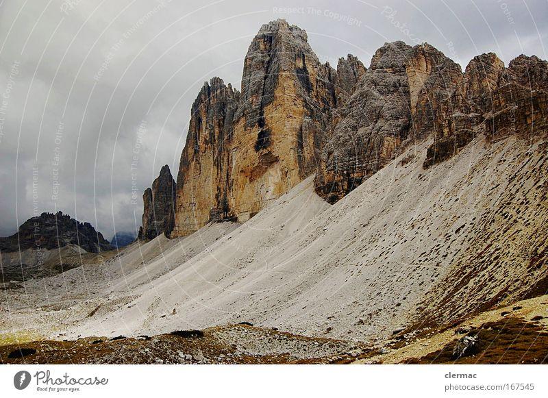 drei zinnen Farbfoto Außenaufnahme Menschenleer Tag Natur Landschaft Felsen Alpen Berge u. Gebirge Gipfel Wege & Pfade Ferne