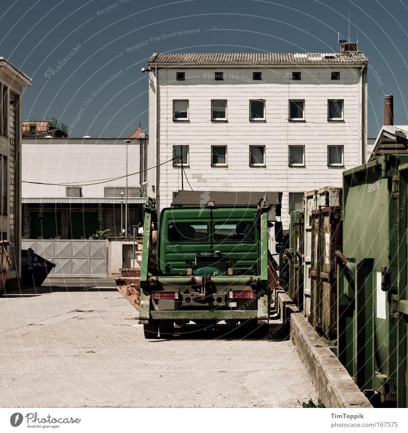 [PC-Usertreff Ffm]: Container Love Stadt Haus Wand Fenster Mauer Verkehr trist Güterverkehr & Logistik Fabrik Lastwagen Industrieanlage Stadtrand