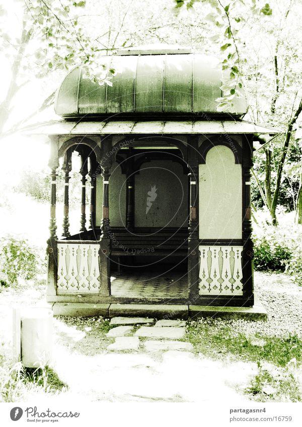 Teehäuschen im Park Sommer ruhig Architektur