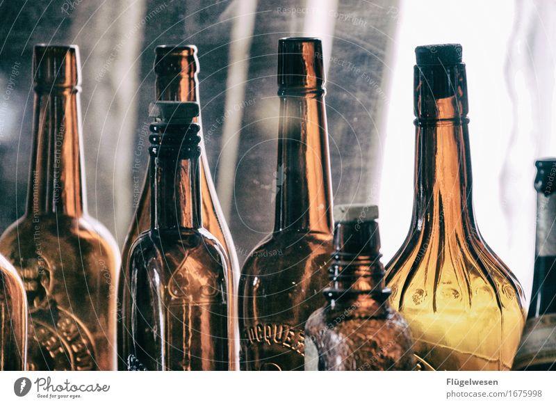 Getränkeauswahl im Saloon leer genießen USA trinken Amerika Flasche Alkohol Alkoholisiert Durst Erfrischungsgetränk Durstlöscher voll früher Abhängigkeit