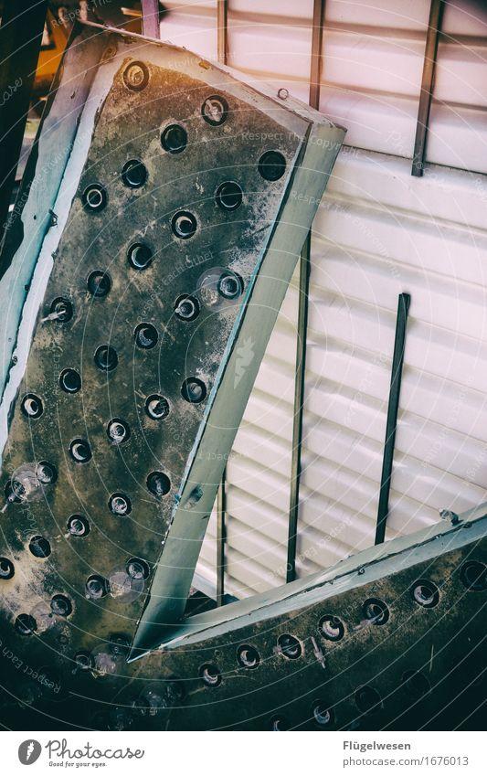 Leuchtreklame [5] Lampe Werbebranche Schriftzeichen alt leuchten Farbe Werbung Neonlicht Buchstaben Leuchtbuchstabe Werbeschild werben Beleuchtung Strahlung