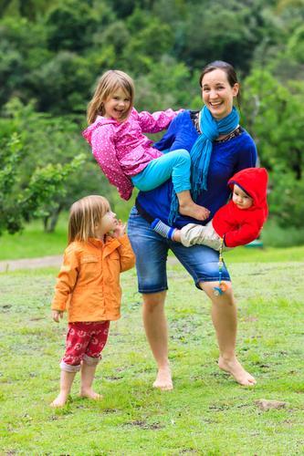 Alle Hände voll zu tun... (2) Mensch Frau Kind Jugendliche Junge Frau Mädchen Erwachsene Leben feminin Lifestyle Familie & Verwandtschaft Glück maskulin