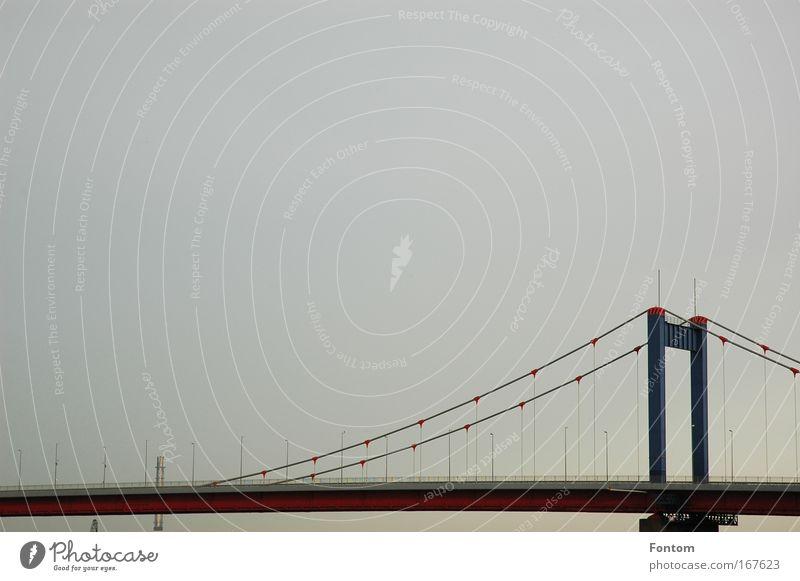 Überbrückung abendlicher Tristess Wasser Himmel Architektur Design elegant Industrie Brücke ästhetisch Güterverkehr & Logistik Kommunizieren Verkehrswege
