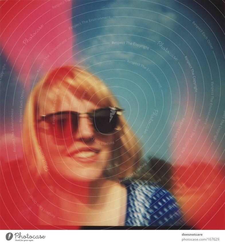 cydonna. Mensch Frau Himmel Jugendliche blau schön Sommer Junge Frau rot Wolken Freude 18-30 Jahre Erwachsene feminin Stil Glück