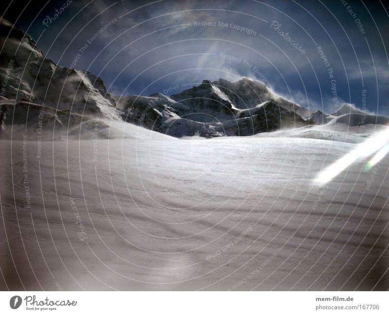 Jungfrau Eis Schnee Berge u. Gebirge Jungfrau (Berg) Schneesturm Schneespur Eisfeld kalt kälte eiskalt frieren Schneewehe Schneehöhe wengen Grindelwald