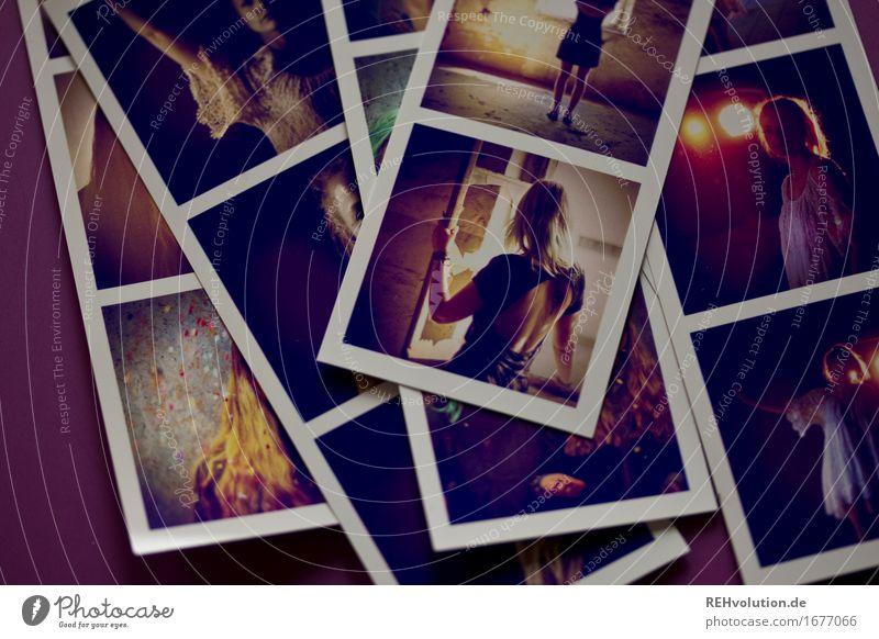 Fotos von Fotos Mensch Jugendliche Junge Frau schön dunkel Lifestyle feminin Stil außergewöhnlich Rücken authentisch einzigartig Fotografie Coolness Streifen