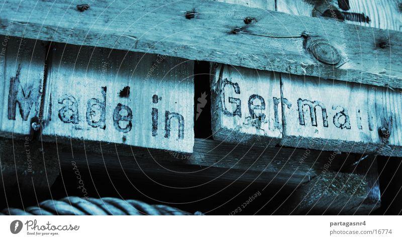Made in Germany Holz Deutschland Industrie Typographie Kiste Schablone