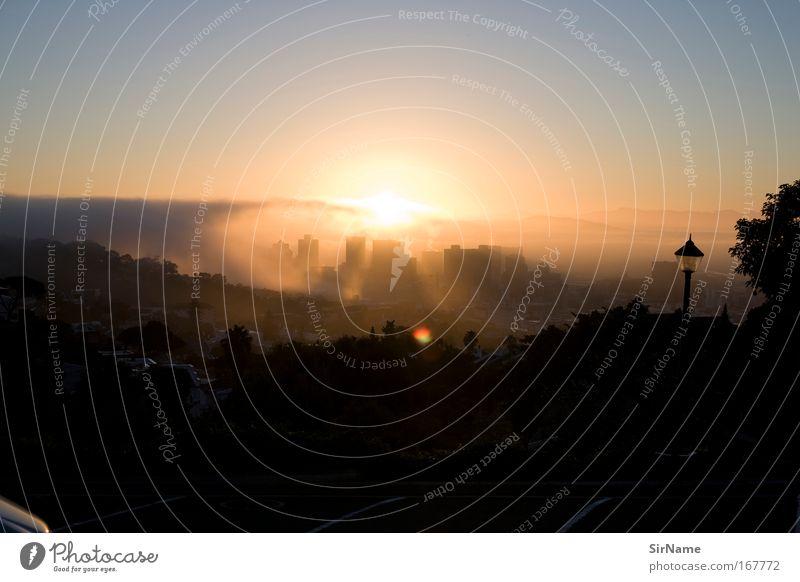 102 [Cape Town sunrise] Stadt Sonne dunkel Gebäude Erde Horizont Stimmung Hochhaus Zukunft bedrohlich Sicherheit Wandel & Veränderung Vergänglichkeit historisch Bankgebäude Bauwerk