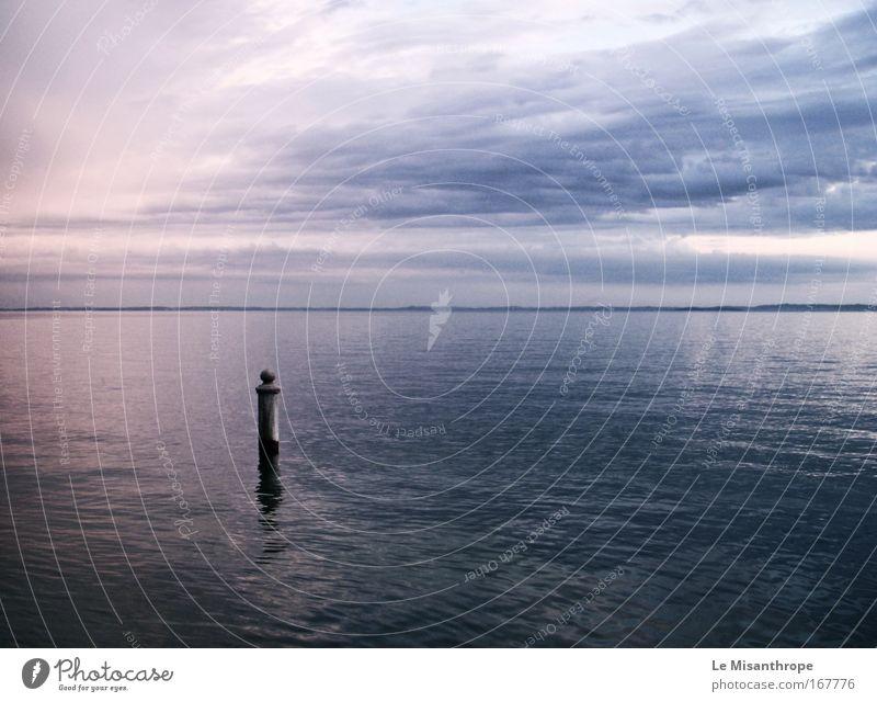 anna livia plurabelle. Farbfoto Gedeckte Farben Außenaufnahme Menschenleer Abend Dämmerung Reflexion & Spiegelung Sonnenaufgang Sonnenuntergang