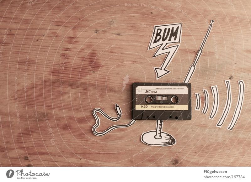 Häh? Der Stecker ist doch gar nicht drin? Kunst Musik Kabel Physik hören Radiogerät Antenne Musikkassette Kultur Sprechblase Technik & Technologie Wellenlänge