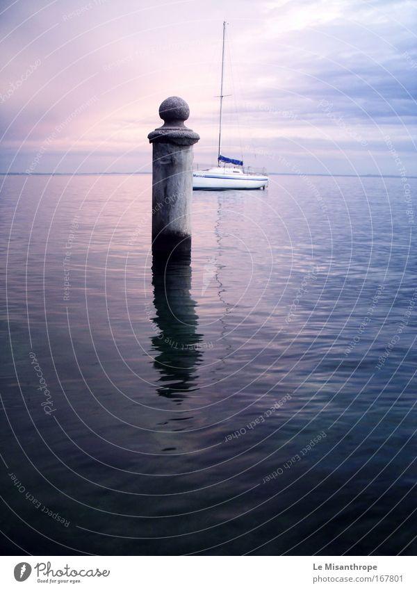 anna livia plurabelle.II blau Wasser ruhig Landschaft See träumen Horizont Wasserfahrzeug Zufriedenheit frei ästhetisch Europa Unendlichkeit Hafen Italien