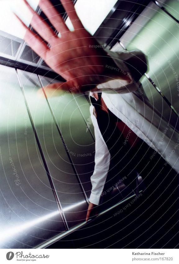 Stop it !! Mensch grün weiß Hand schwarz Leben Gefühle außergewöhnlich Kunst Aktion Finger stoppen Krawatte Fahrstuhl BH Bluse