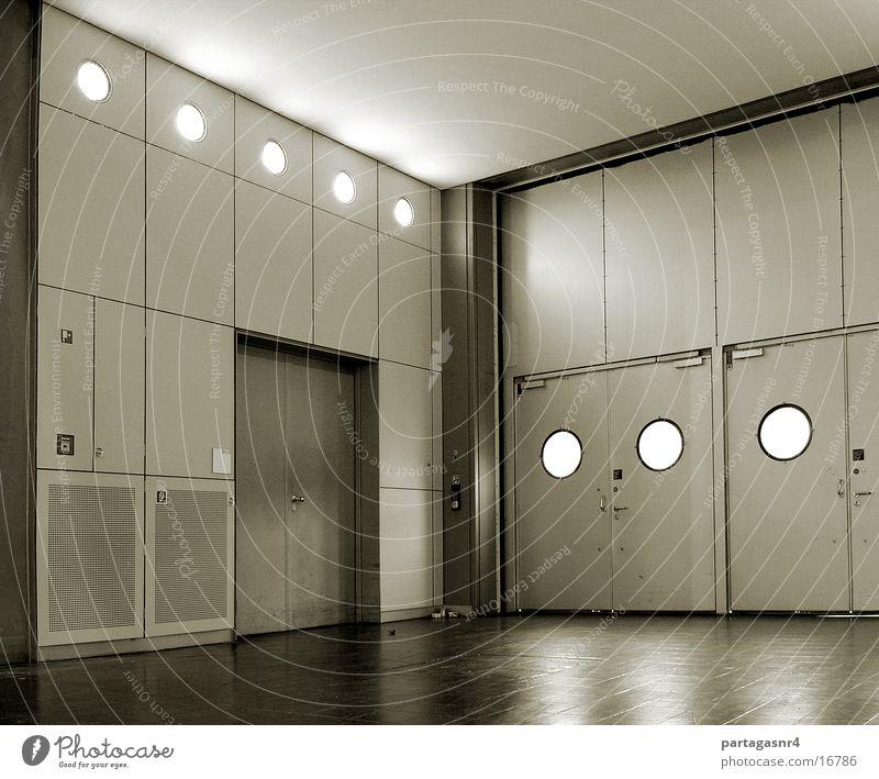 formaler Raum Fenster Architektur modern rund Tor