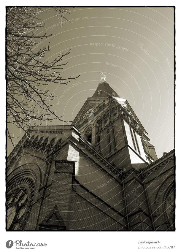 Moritzkirche von unne Protestantismus Neogotik Backstein Gotteshäuser Religion & Glaube Basilika Himmel Rücken Architektur