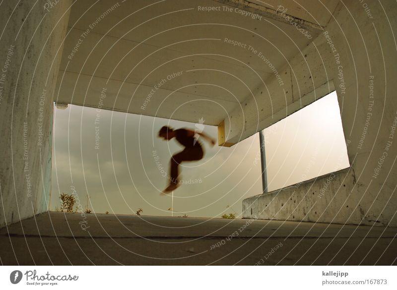 ich Bewegungsunschärfe Mensch Mann Erwachsene Bauch Gesäß Beine Fuß 1 Wetter Unwetter Gewitter Parkhaus Mauer Wand Verkehr Fitness fliegen Spielen springen gold