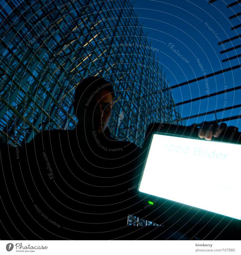 1000% Mensch Mann Erwachsene Computer maskulin Design Energiewirtschaft außergewöhnlich Lifestyle Zukunft Baustelle Technik & Technologie Internet Kommunizieren