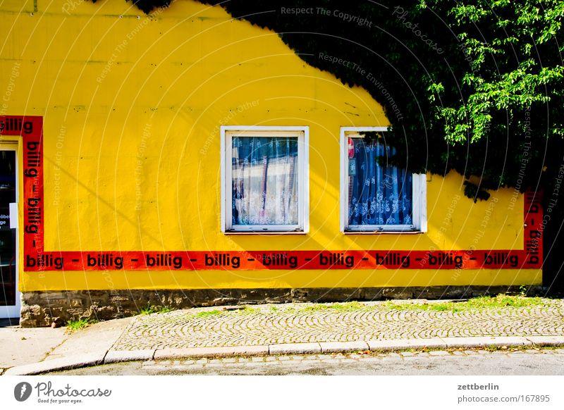- billig - billig - billig - billig - Haus Fenster Deutschland Fassade Werbung Ladengeschäft Handel verkaufen Werbebranche Kapitalwirtschaft Sachsen Billig Finanzkrise Sachsen-Anhalt