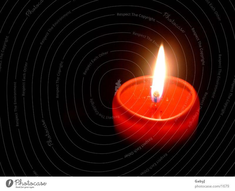 Advent* Kerze Kerzenschein dunkel rot Licht Herbst Stimmung gemütlich Häusliches Leben Weihnachten & Advent Lampe Brand candle light darkness autumn