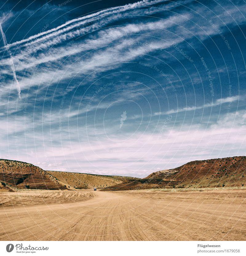 Mitten im Nirgendwo USA Amerika Nationalpark Antelope Canyon Berge u. Gebirge Wüste Himmel Wolken Freiheit Ferien & Urlaub & Reisen Straße Flußbett Wärme Sommer