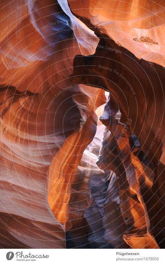 Upper Antelope Canyon [13] Farbe Berge u. Gebirge Stein Sand Felsen Tourismus orange Ausflug berühren Hügel USA Amerika eckig Schlucht Farbenspiel Lichtspiel