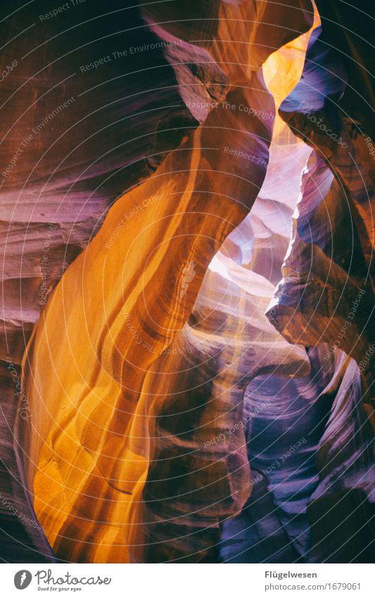 Upper Antelope Canyon [15] Farbe Berge u. Gebirge Stein Sand Felsen Tourismus orange Ausflug berühren Hügel USA Amerika eckig Schlucht Farbenspiel Lichtspiel