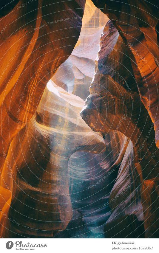 Upper Antelope Canyon [21] Farbe Berge u. Gebirge Stein Sand Felsen Tourismus orange Ausflug berühren Hügel USA Amerika eckig Schlucht Farbenspiel Lichtspiel