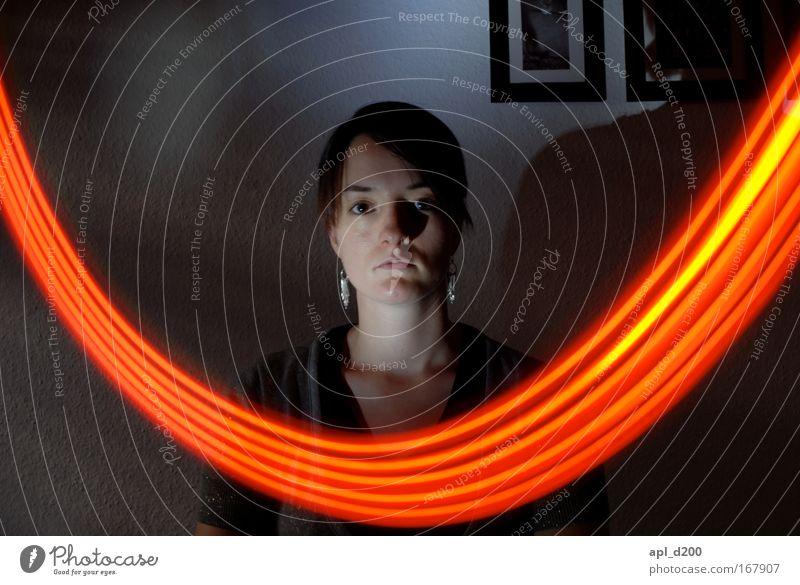 Leuchtband vier Mensch Jugendliche rot Gesicht schwarz gelb feminin grau Kopf elegant Energiewirtschaft modern ästhetisch Technik & Technologie Warmherzigkeit hocken