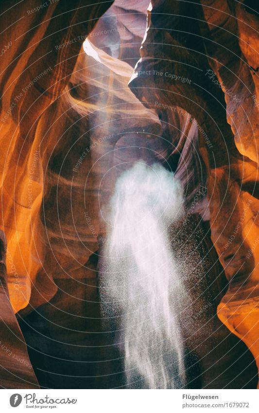 Upper Antelope Canyon [36] Farbe Berge u. Gebirge Stein Sand Felsen Tourismus orange Ausflug berühren Hügel USA Amerika eckig Schlucht Farbenspiel Lichtspiel