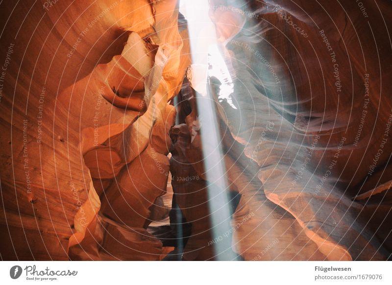 Upper Antelope Canyon [35] Farbe Berge u. Gebirge Stein Sand Felsen Tourismus orange Ausflug berühren Hügel USA Amerika eckig Schlucht Farbenspiel Lichtspiel