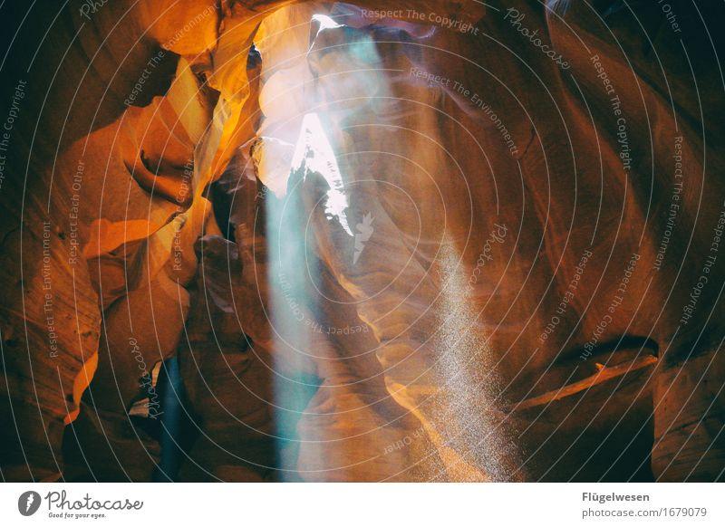 Upper Antelope Canyon [25] Farbe Berge u. Gebirge Stein Sand Felsen Tourismus orange Ausflug berühren Hügel USA Amerika eckig Schlucht Farbenspiel Lichtspiel