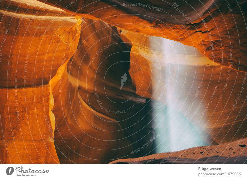 Upper Antelope Canyon [26] Farbe Berge u. Gebirge Stein Sand Felsen Tourismus orange Ausflug berühren Hügel USA Amerika eckig Schlucht Farbenspiel Lichtspiel