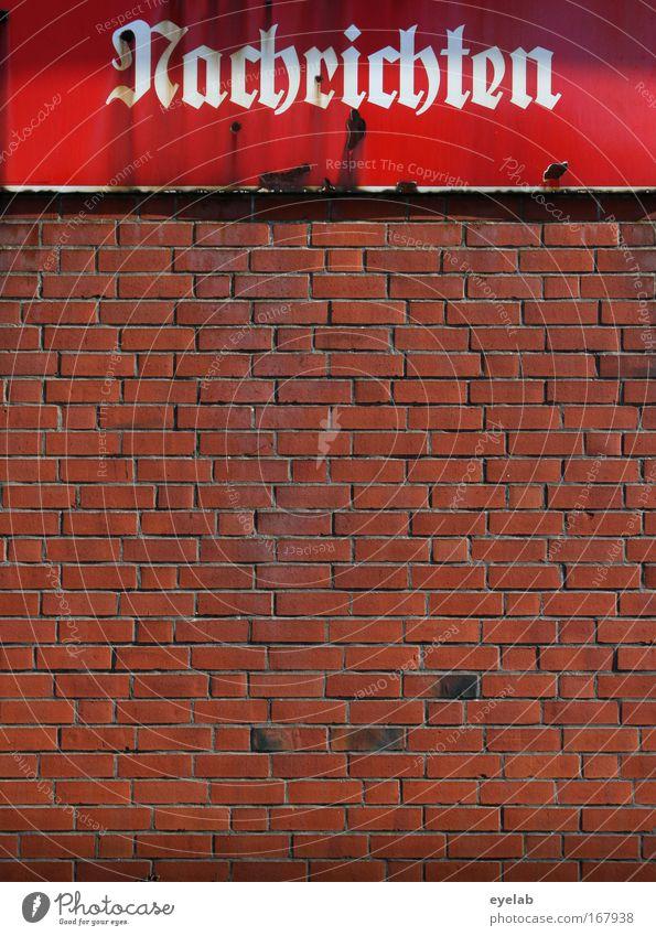 Gute... alt weiß rot Haus Wand Gebäude Stein Mauer Metall braun dreckig Fassade Schilder & Markierungen kaputt authentisch