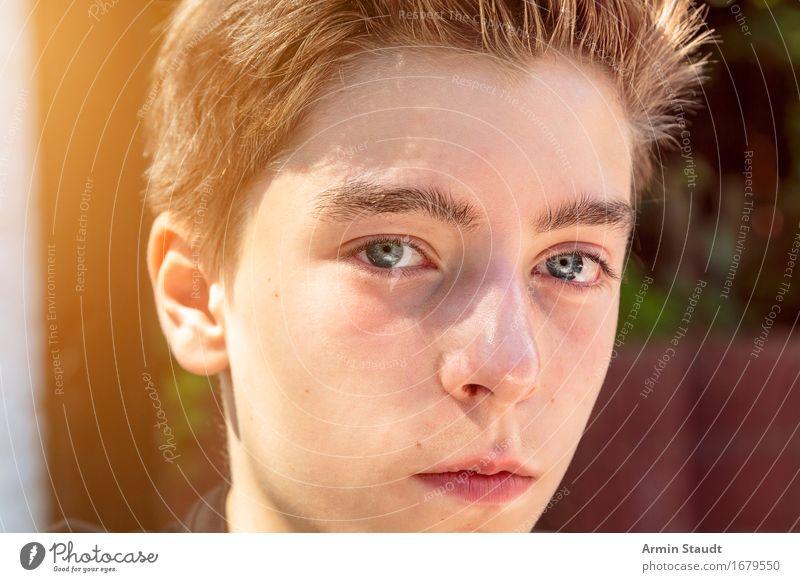 Porträt Mensch Jugendliche Sommer schön Junger Mann Gesicht Gefühle Stil Lifestyle maskulin 13-18 Jahre authentisch einzigartig Schönes Wetter Gelassenheit