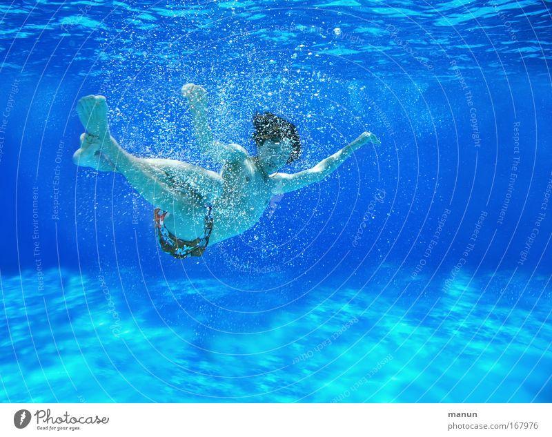 Oktopus Mensch Kind Jugendliche blau Sommer Freude Erholung Leben Junge Bewegung Unterwasseraufnahme Kindheit Freizeit & Hobby Schwimmen & Baden liegen Coolness