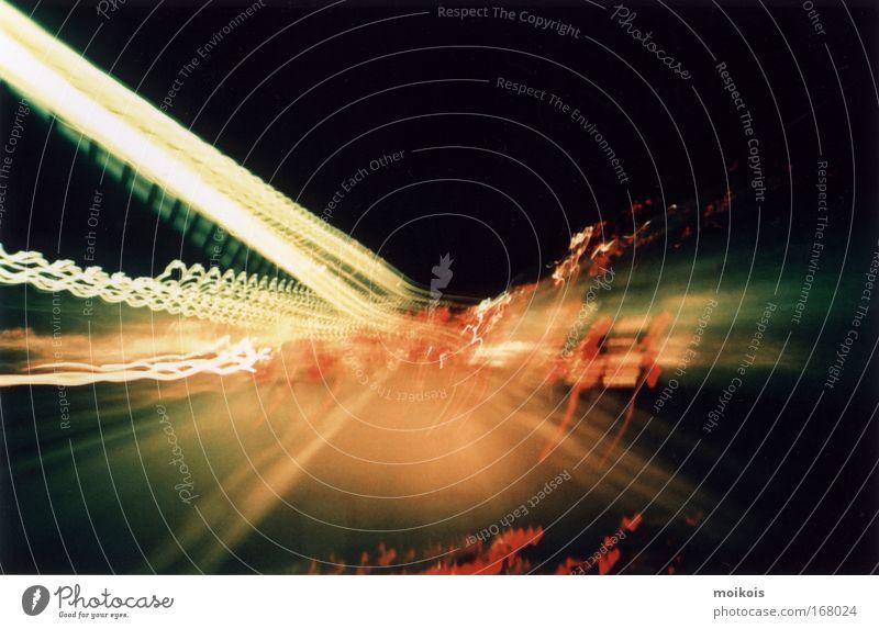 tunnel2 rot Bewegung PKW Linie Kraft planen Straßenverkehr fliegen Verkehr Geschwindigkeit modern fahren Fahrzeug Netz geheimnisvoll Zeichen
