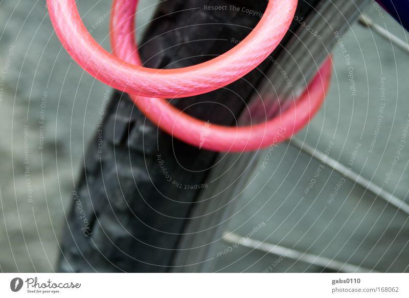 think pink! schwarz grau Fahrrad Angst rosa Verkehr Sicherheit Technik & Technologie Schutz Vertrauen Schloss retten Straßenverkehr schließen Verkehrsmittel