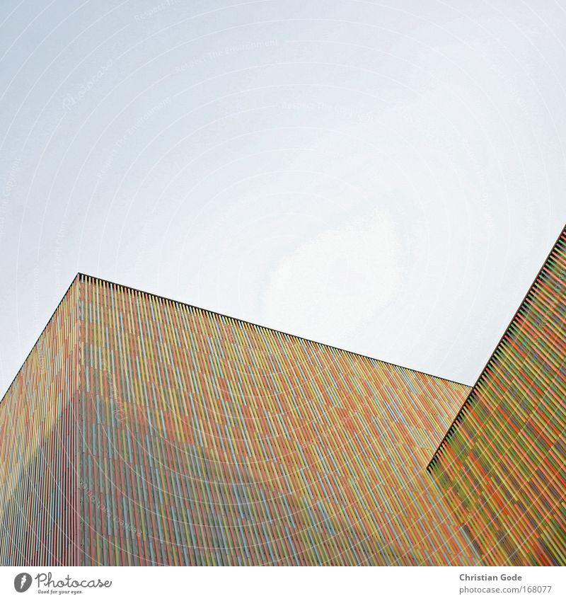 Bunter Bau blau grün rot schwarz gelb Wand Architektur Gebäude Mauer Kunst Fassade neu Dach Bauwerk Museum