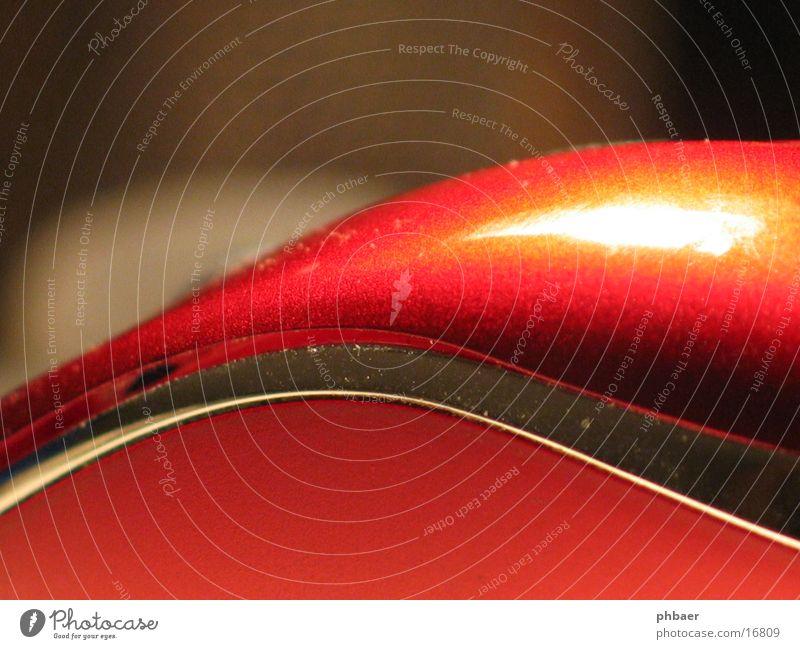 Rätsel rot geschwungen rund Tiefenschärfe abstrakt Eingabe Hand obskur Makroaufnahme Nahaufnahme silber Reflexion & Spiegelung HID Computermaus