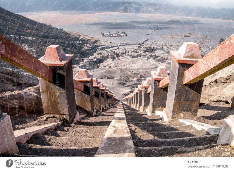 Stairway to Bromo Ferien & Urlaub & Reisen Tourismus Abenteuer Ferne Freiheit Sommer Sonne Umwelt Natur Landschaft Sand Schönes Wetter Dürre Vulkan Asien