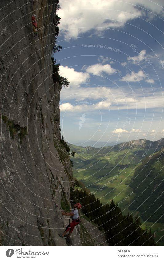 Klettern Ebenalb 01 0509 Mensch blau grün Wiese Landschaft Sport Berge u. Gebirge grau Horizont Kraft Felsen Freizeit & Hobby festhalten Schönes Wetter Mut