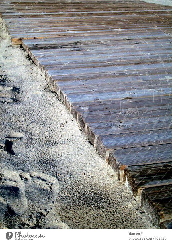 Barfuß Farbfoto Außenaufnahme Textfreiraum rechts Morgendämmerung Sonnenlicht Schwimmen & Baden Tourismus Sommer Sommerurlaub Strand Meer Insel Fuß Sand Küste