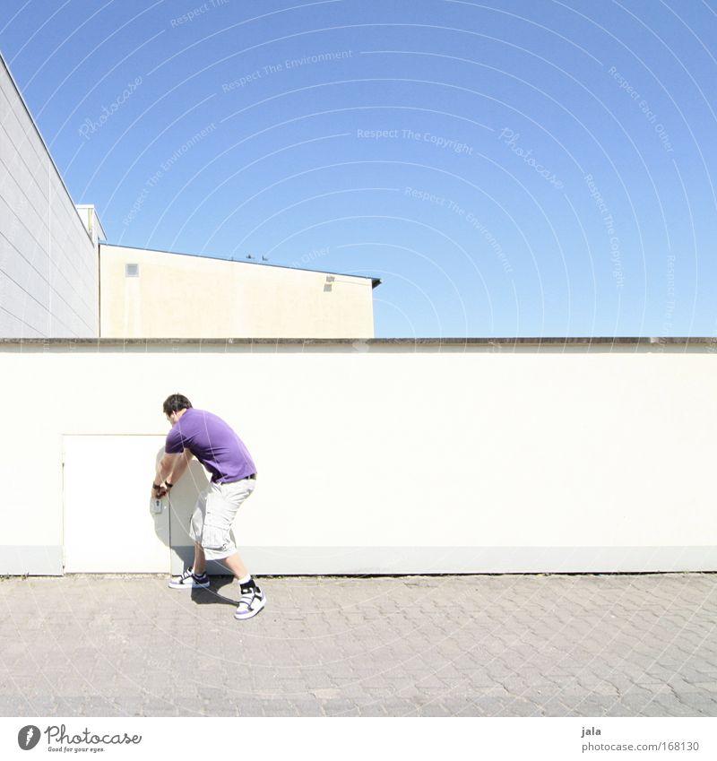 [PC-Usertreff Ffm]: Streetart Mensch Himmel Mann Jugendliche blau weiß Stadt Freude Haus Erwachsene Wand Architektur Bewegung Mauer Gebäude lustig